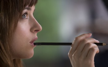 в фильме,Dakota johnson,fifty shades of grey