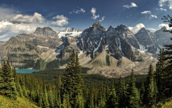 alberta,canada,valley of the ten peaks,Moraine lake