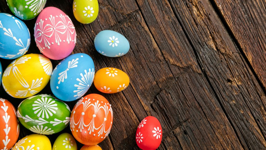 яйца,decoration,Easter,colorful,happy,eggs,wood