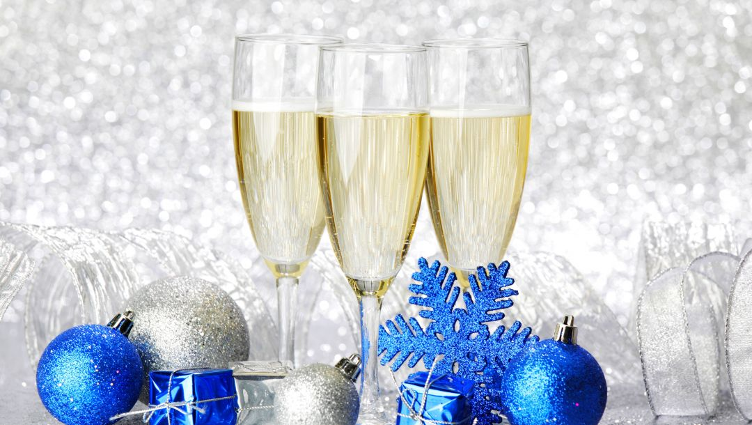 glasses,Champagne,merry christmas,gifts,snowflake,ornaments,Happy new year,balls,holiday