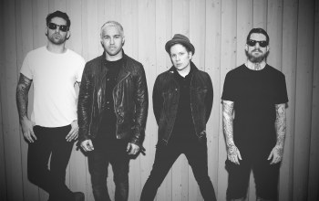 joe trohman,Fall out boy,pete wentz,patrick stump,2015,andy hurley
