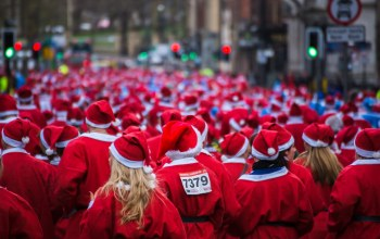 Run,Sea of santas,liverpool santa dash