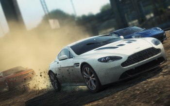 aston martin v12 vantage,Need for speed most wanted 2,chevy camaro zl1,porsche panamera turbo