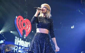singer,performs onstage during,kiis fms,jingle ball 2014,taylor swift,концерт