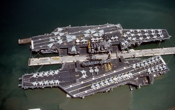 Uss midway (cv-41),Корабли,uss independence (cv-62),док