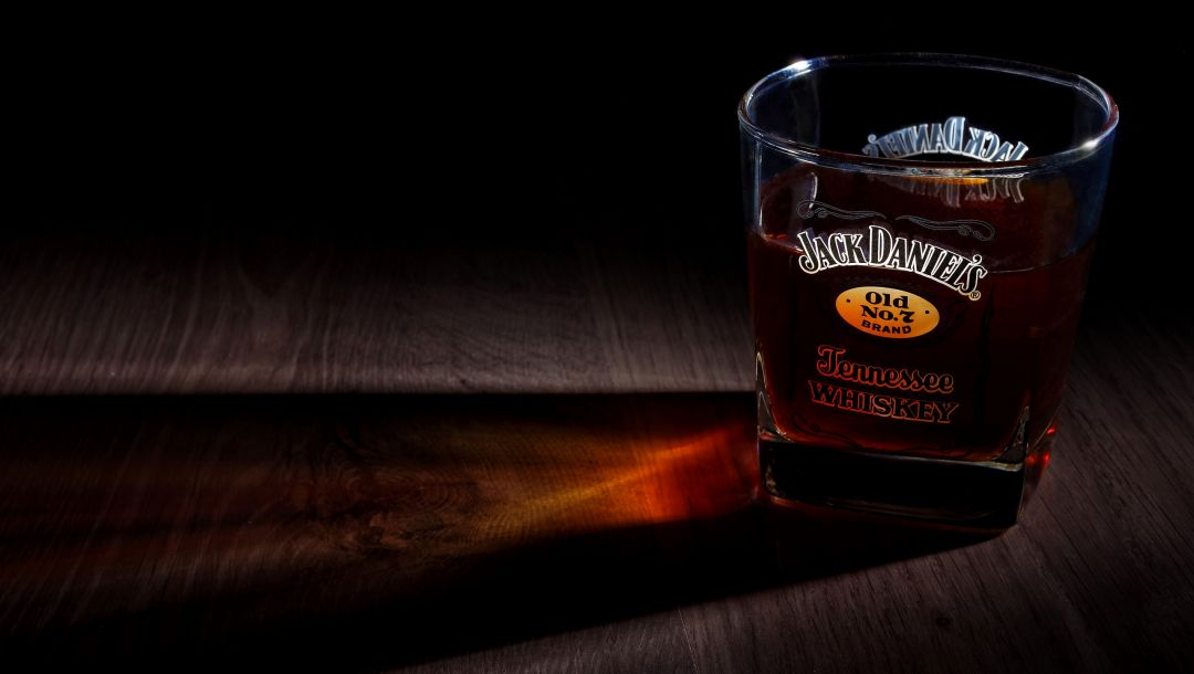 drink,alcohol,bourbon,glass,whiskey