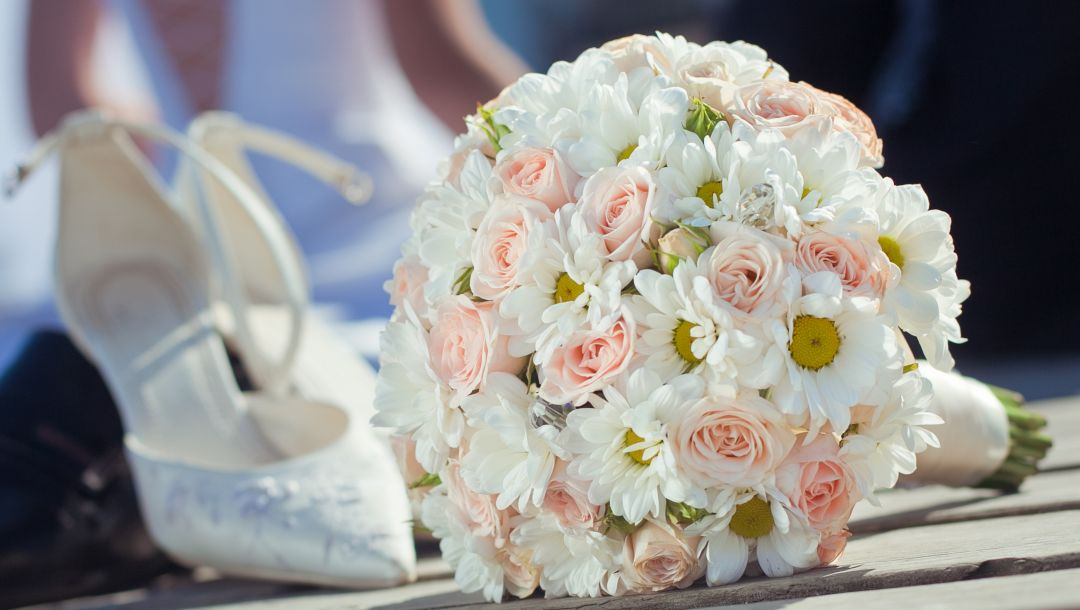 свадьба,wedding,roses,shoes,цветы,Bouquet