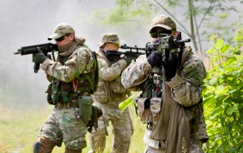 elite group,soldiers,weapons,training