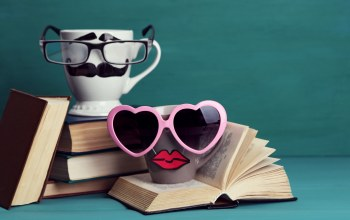 cute,Mustache,lips,очки,кофе,funny,books,glasses,кружка,книги,cup