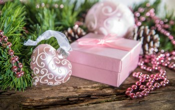 holiday,winter,snow,box,merry christmas,decoration,Happy new year,ornaments,heart,gift