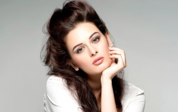 brunette,pretty,bollywood,girl,cute,celebrity,Evelyn sharma,actress,beautiful