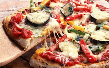 onion,pizza,cheese,eggplant,greens,Tomato,hot pepper,italian cuisine,bell pepper