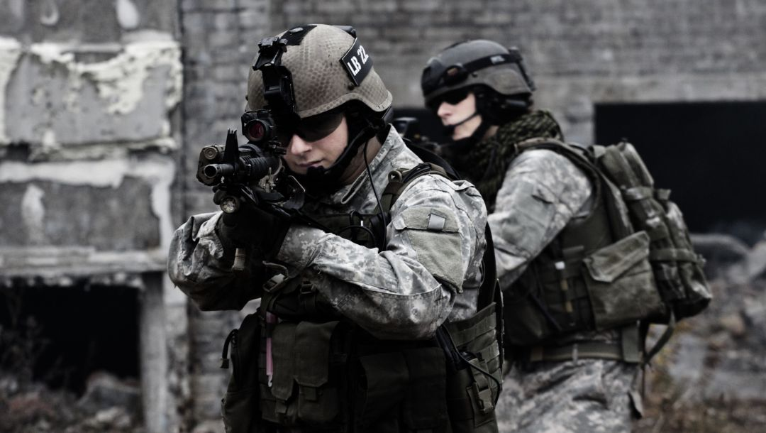 firearms,soldiers,equipment