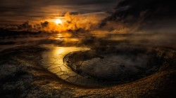 Sun,lake,Вода,Crater,clouds,Sunset, кратер,smoke,water,evening,volcano