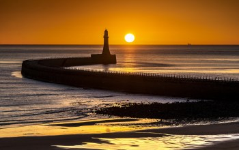 Roker lighthouse,sunderland