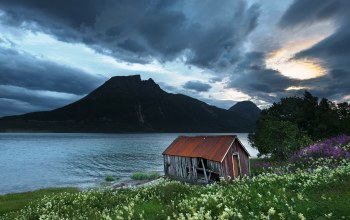 northern-norway,Derelict boathouse,aldersundet