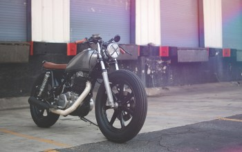 motorcycle,cafe racer,sr500