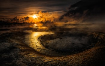 Вода,Crater,clouds,Sunset, кратер,smoke,water,evening,volcano