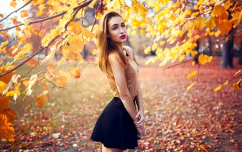 leaves,exterior,beautiful,autumn,fashion,beauty,daylight,outdoor,fall,Ambient,girl
