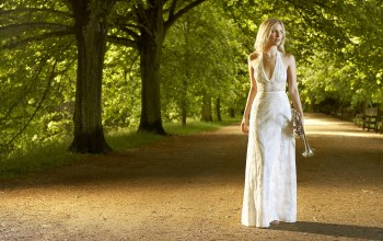 trees,Alison balsom,trumpet ,english,soloist,park