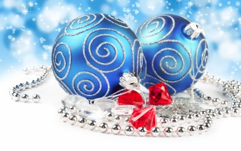 bokeh,merry christmas,lights,necklace,jewelry,blue balls,diamonds,decoration
