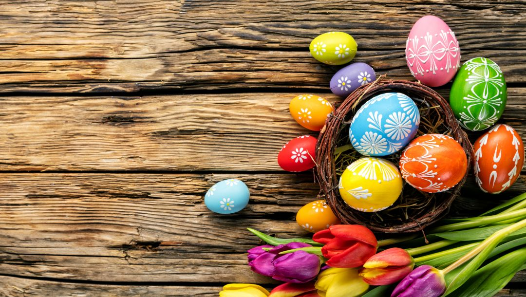 eggs,spring,tulips,яйца,wood,colorful,Easter,happy,holiday