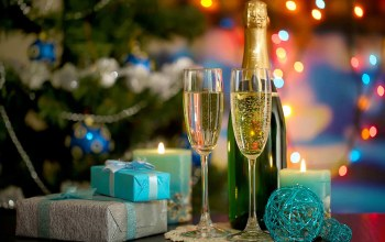 candles,christmas tree,balls,Champagne,lights,gifts,Happy new year,glasses,holiday