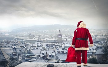Santa claus is coming ,town,gifts,merry christmas