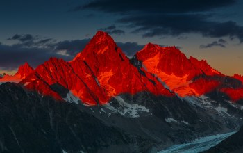 french alps,mountains,Sunset,alpenglow over the glacier dargentiere