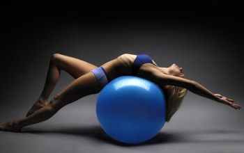 Elongation,training ball,pose