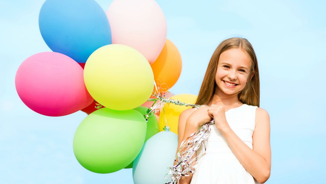 colorful,balloons,happy,sky,girl,шарики,воздушные шары,smile