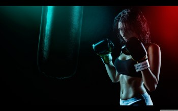 woman,Boxing gloves,light,perspiration
