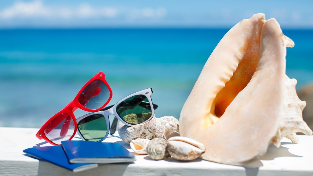 accessories,vacation,summer,shells,glasses,blue sky,beach