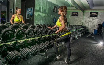 gym,dumbbells,woman,workout,mirror,reflection