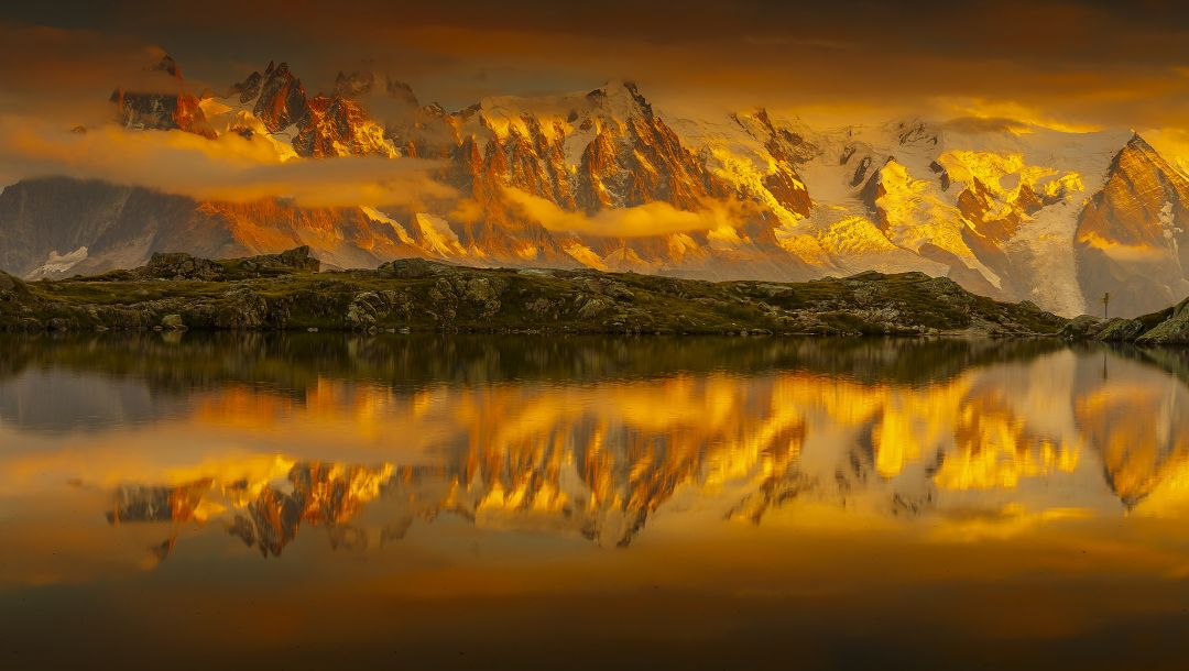 french alps,mountains,lake cheserey,sky,reflection,france,snow,clouds