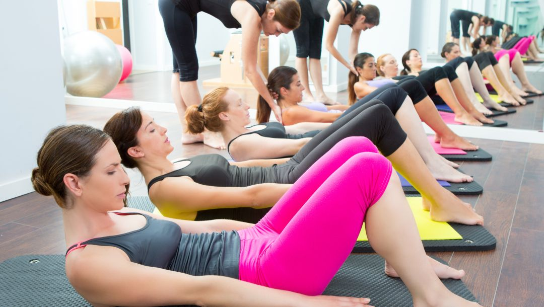 workout,gym,personal trainers,Group of women