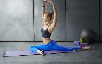 pose,blonde,workout,Elongation