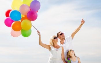 sky,balloons,colorful,happy,воздушные шары,people,family,люди,шарики