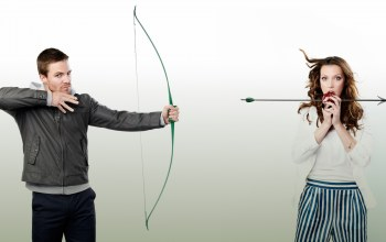 arrow,katie cassidy,stephen amell