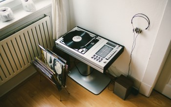 record,vinyl player,Music,player,record player,headphone,vinyl
