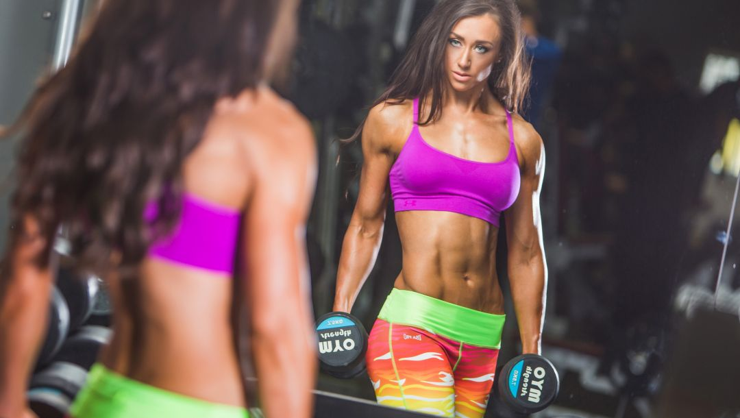 workout,Dumbbell,bodybuilder,abs,mirror,reflection