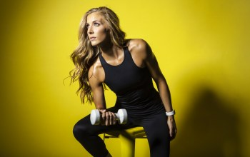Danielle pascente,yellow,dumbell