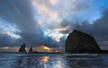 cannon beach,Oregon coast,скалы