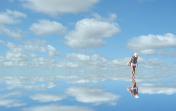 mirror,woman,blue,clouds,синий,Облака,sky,reflection