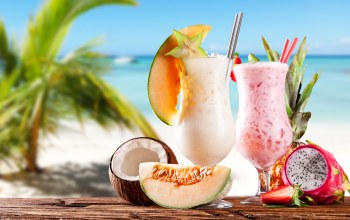 milkshakes,melon,Strawberry,pineapple,coconut,beach