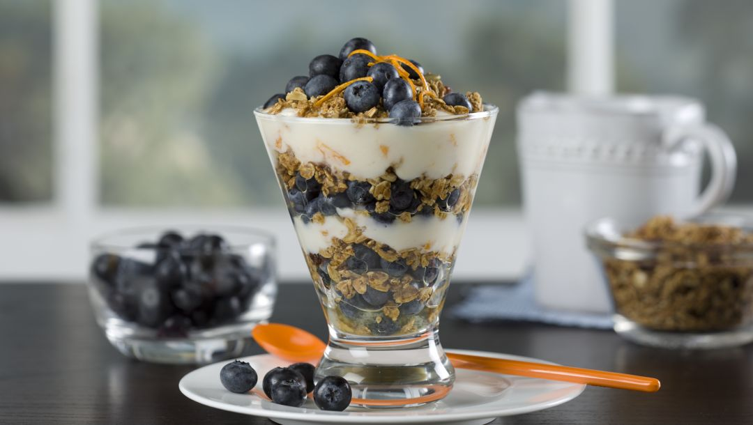 fruits,breakfast,blueberries,cream,крем,черника,muesli