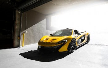 ligth,figth,Mclaren,yellow,supercar