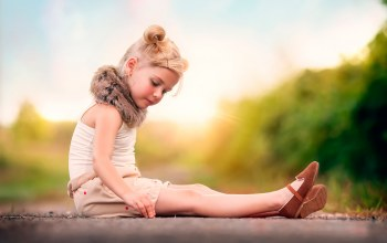 мех,Девочка,прическа,child photography,Lost in thought
