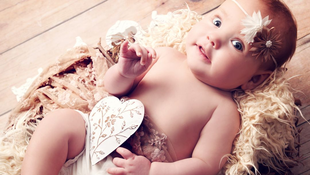 beautiful little girl,children,angel,funny,newborn,heart,Happy baby,blue eyes