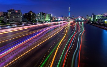 light trails,Tokyo sky tree,long exposure